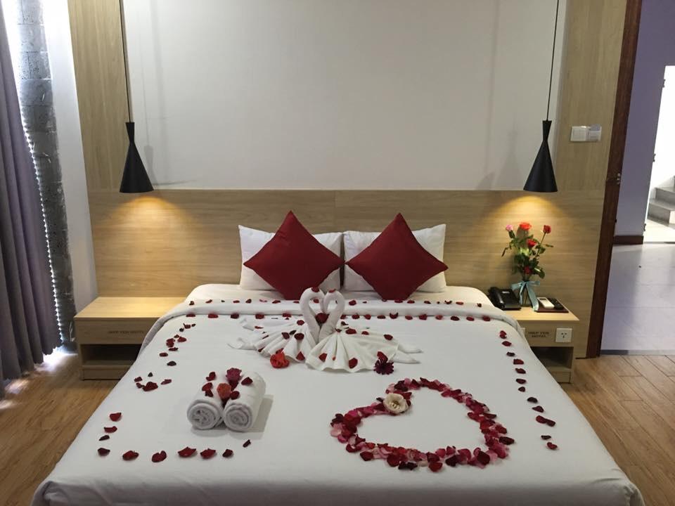 Phòng ngủ được bày trí rất đẹp tại khách sạn Hiệp Yến Tuy Hòa