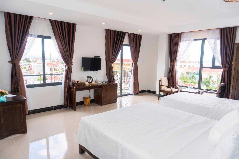 Phòng 3 cửa sổ tại khách sạn Aries Tuy Hòa