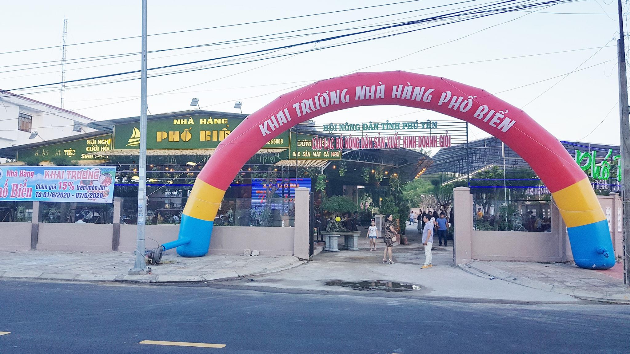 """Chỉ mới được đưa vào hoạt động ít lâu nhưng nhà hàng Phố Biển Tuy Hòa đã gây """"nhớ nhung"""" cho nhiều thực khách"""