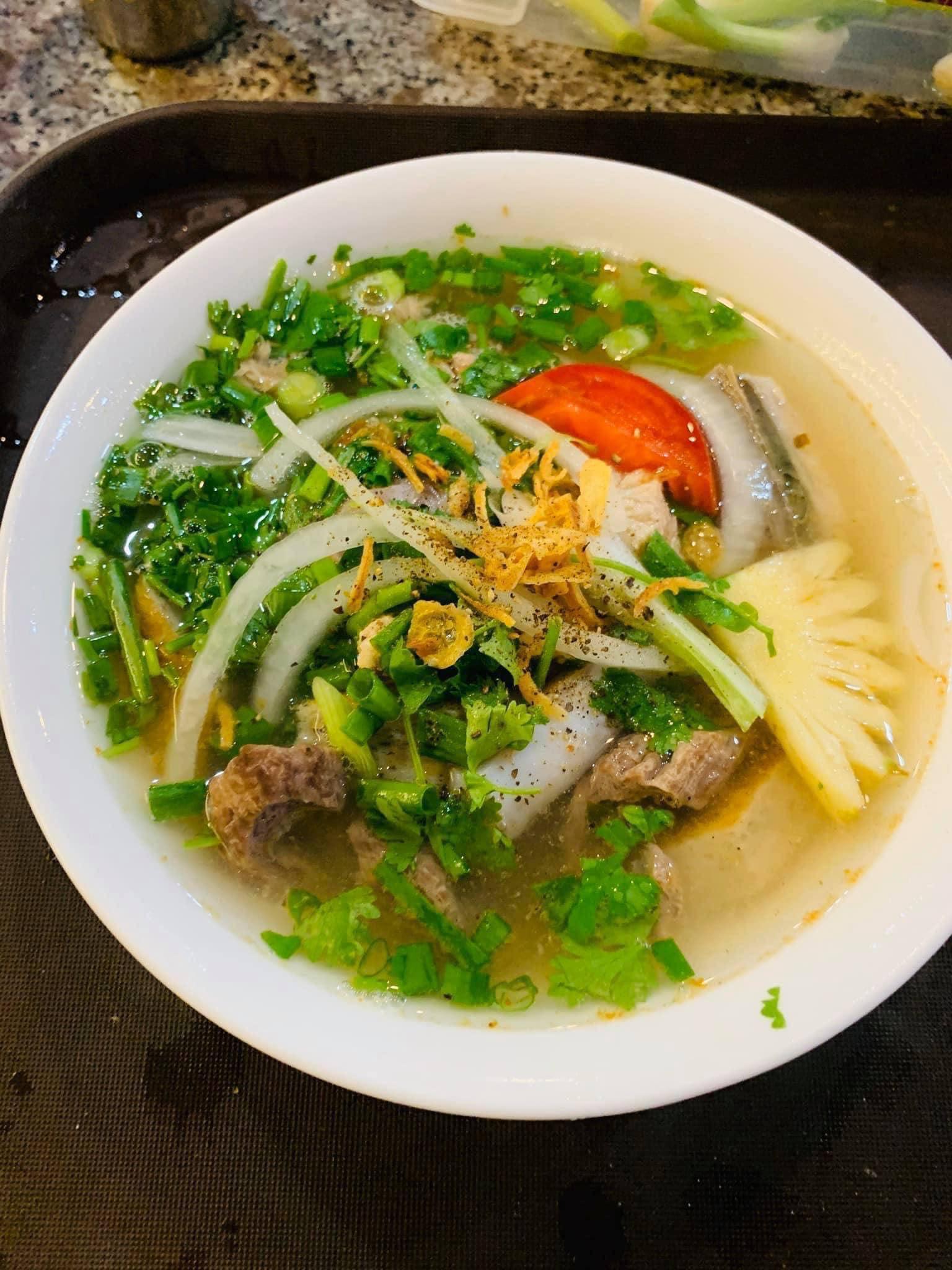 Tô bún bắp cá ngừ Phú Yên hấp dẫn