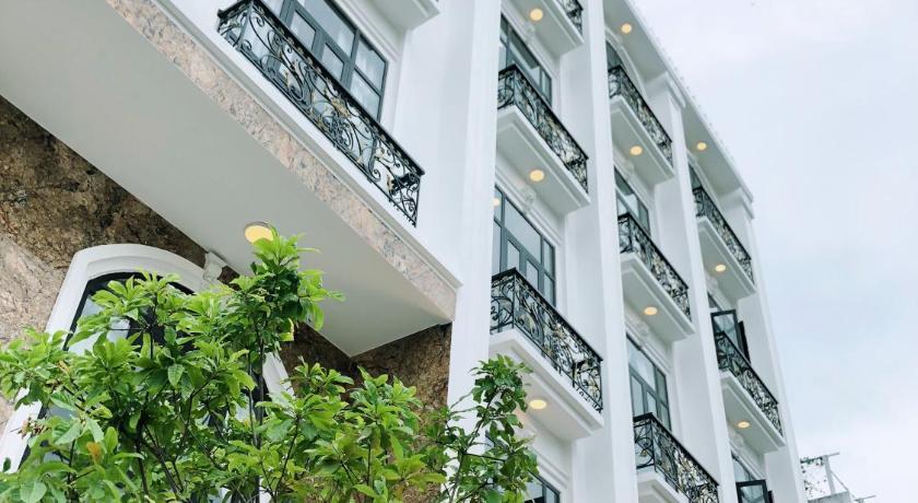 Ban công mang phong cách châu Âu tại khách sạn Star Tuy Hòa
