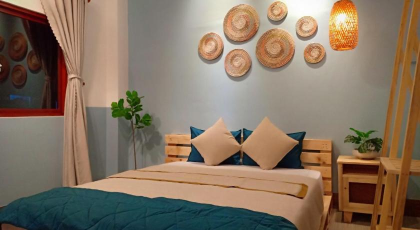 Phòng nghỉ phong cách mộc mạc ấm cúng tại loại hình căn hộ của Khách sạn Thanh Vân Tuy Hòa