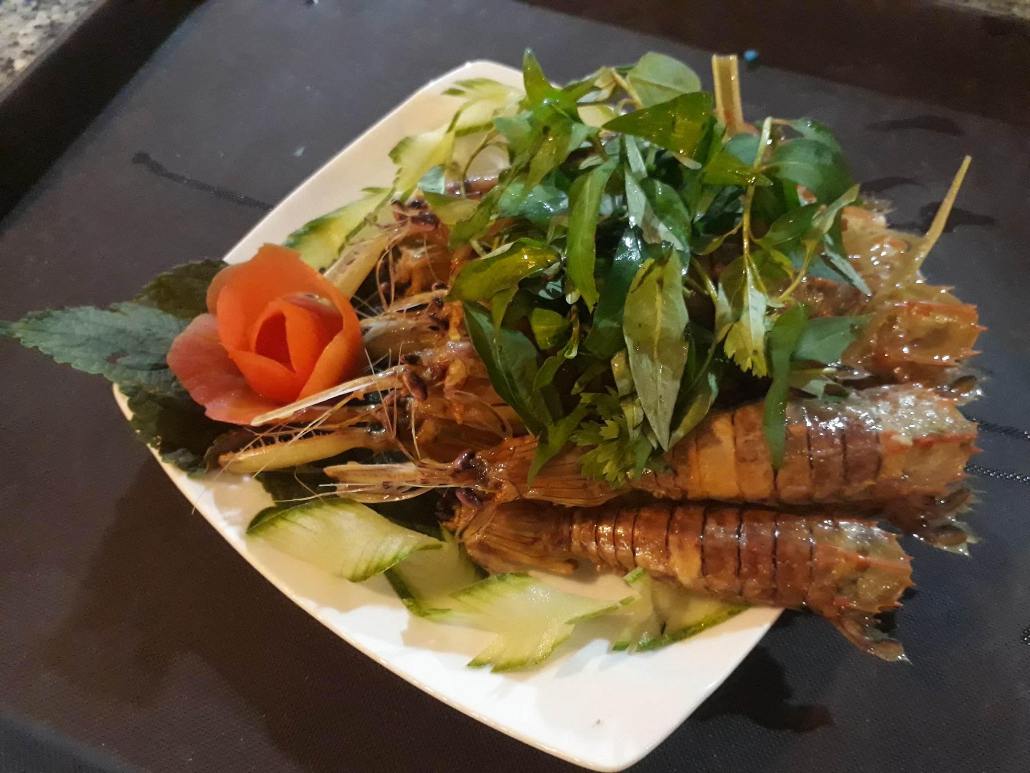 Tôm tít tại Nhà hàng Năm Ánh Phú Yên