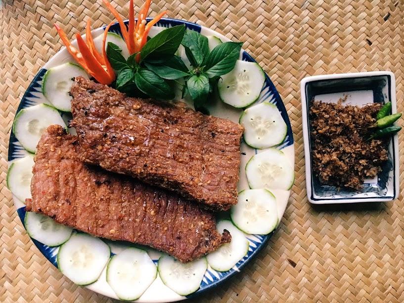 Bò một nắng muối kiến vàng Phú Yên