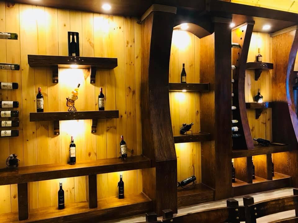 Hầm rượu tại nhà hàng chúc xíu phú yên