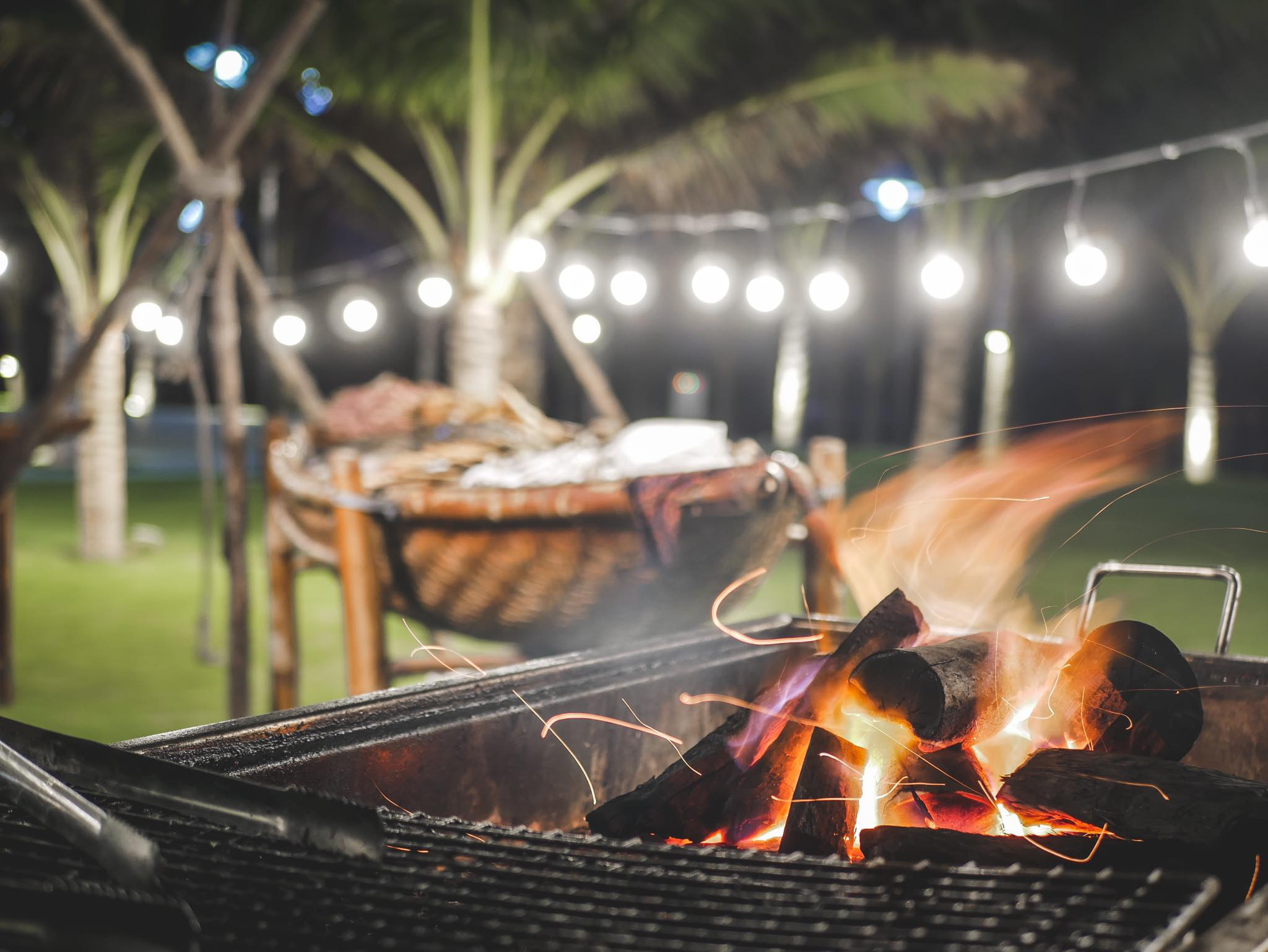 Bếp lửa nướng ngoài trời tại Nhà hàng Sala Tuy Hòa