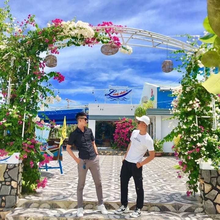 Nhà hàng view biển Phú Yên Làng Chài Phù Đổng