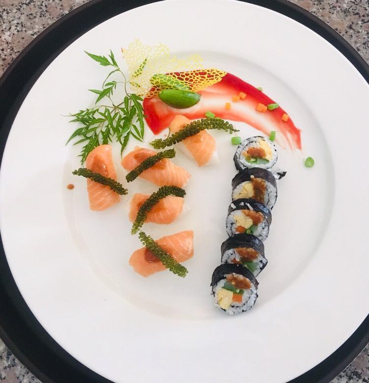 Món ăn được trình bày bắt mắt tại nhà hàng Làng Chài Phù Đổng
