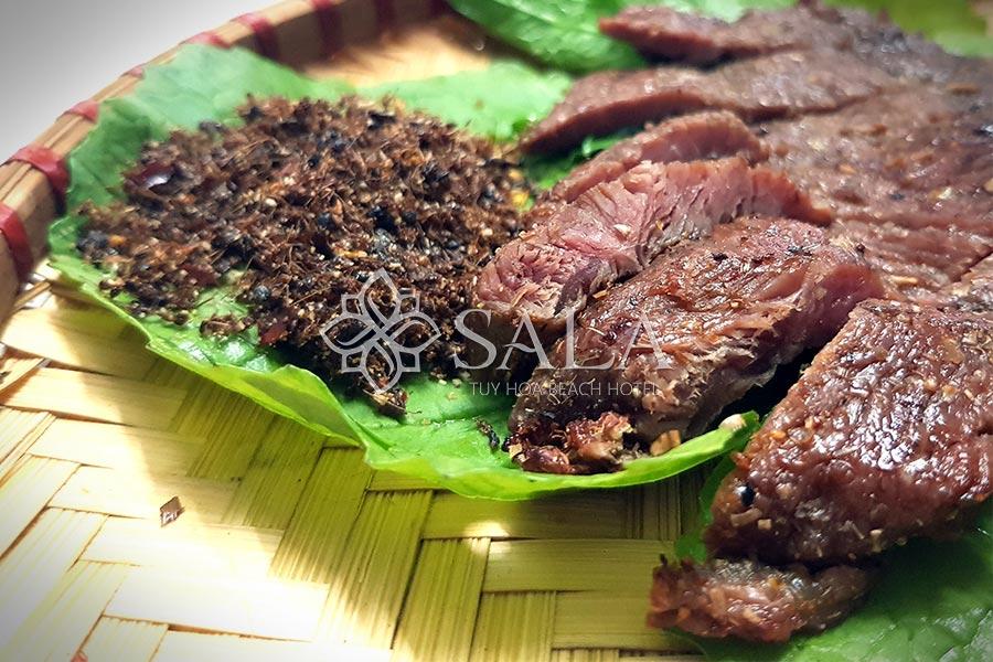 Bò một nắng phục vụ tại Nhà hàng Sala Tuy Hòa