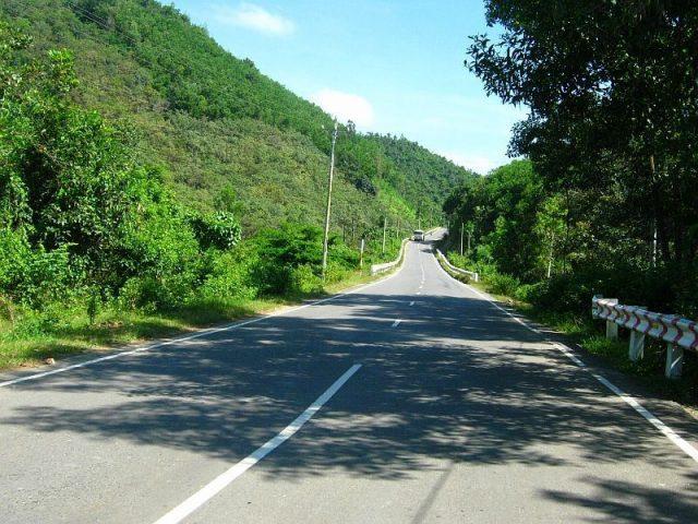 Đường đi thác Vực Phun